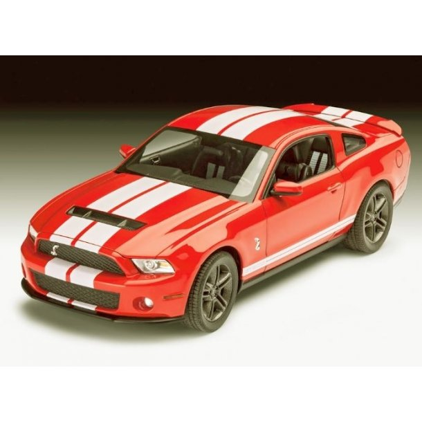 07044 Revell 07044 - Ford Shelby GT500 1:25. Incl Malin, Lim og pensel.